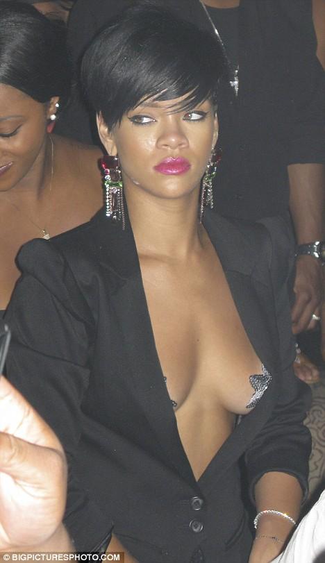 Rihanna Nude Exposed 113