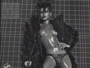 Rihanna poses topless in Italian Vogue