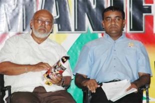 President Donald Ramotar(l) and former President Bharrat Jagdeo(r)